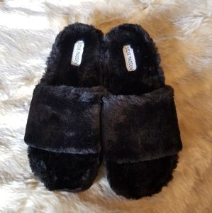 Steve Madden Fabfuzz Faux Fur Platform Slipper New